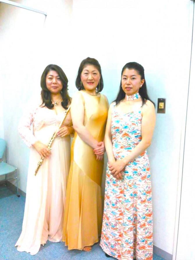 フルート 深見洋公さん、ソプラノ 佐伯洋子さん、ピアノ 安浪由紀子さん
